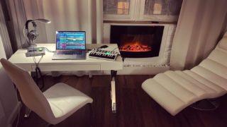 Weekend. Mobile studio. 🎵 #composer #life #music #creative #mobilestudio #musicproduction #neat #fireplace #whiteinterior