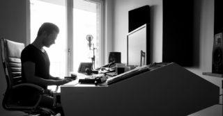 🎶 🎹 . . . #musicproducer #musicproduction #musicstudio #black #white #output #studiovibes #homestudio #universalaudio #apollotwin #doepfer #loud #modern #contemporary #mix #epic #trailermusic #hybrid #pop #piano #berlin #producerlife #dailylife